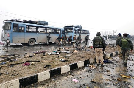 Kashmir car bomb kills 44; India demands Pakistan act against militants