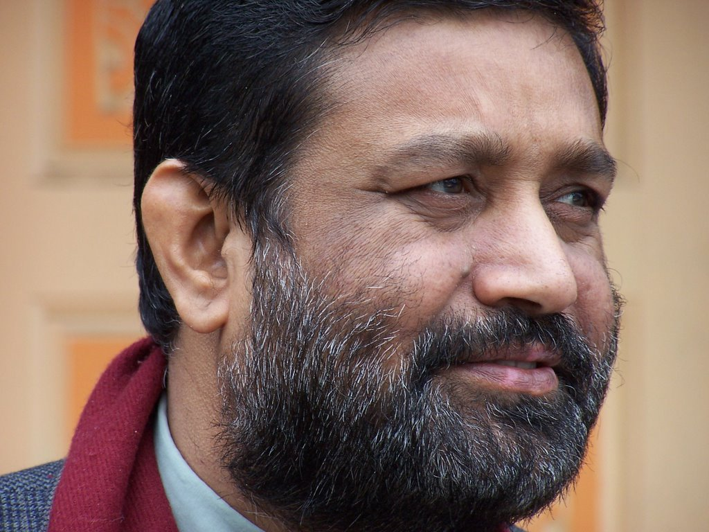 Nidhi pledges to leave no stone unturned in search for ex-Minister Ghimire