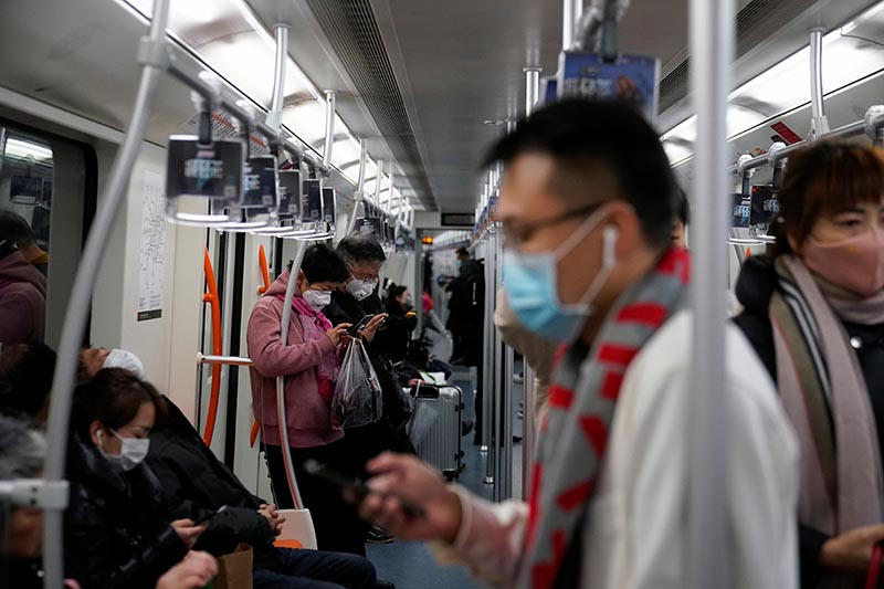 China virus death toll mounts to 25, infections spread