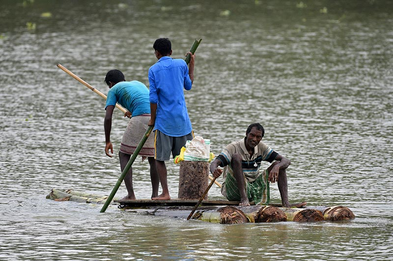 Flooding maroons people in Indian states, eases in Nepal