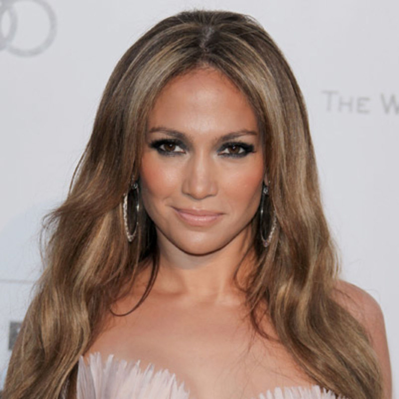 I grew up with holes in my shoes: Jennifer Lopez