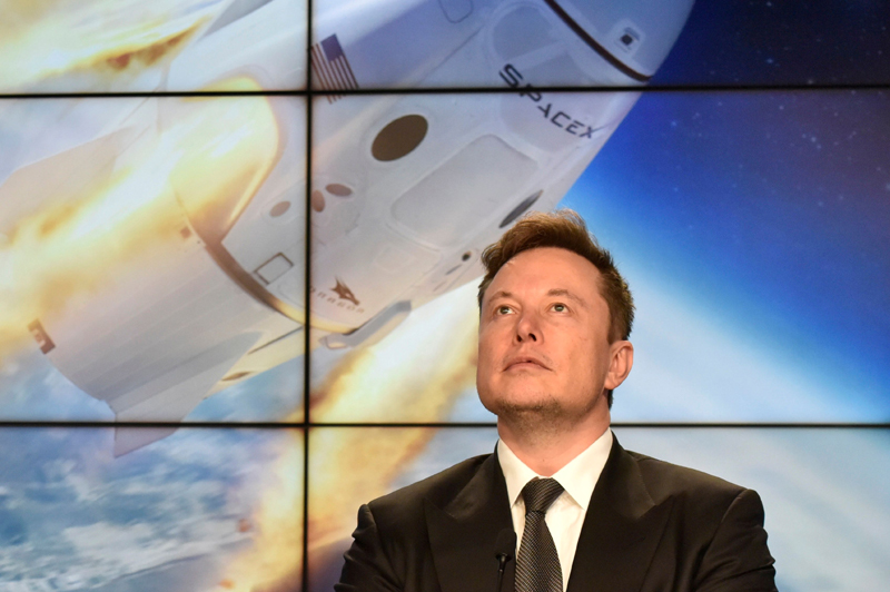 Musk's SpaceX wins NASA award to supply planned lunar space station