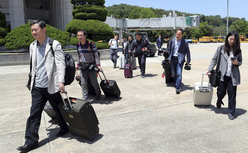 Foreign media depart on train for North Korean nuclear site