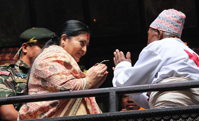 President pays homage to Navadurga on Kojagrat Purnima