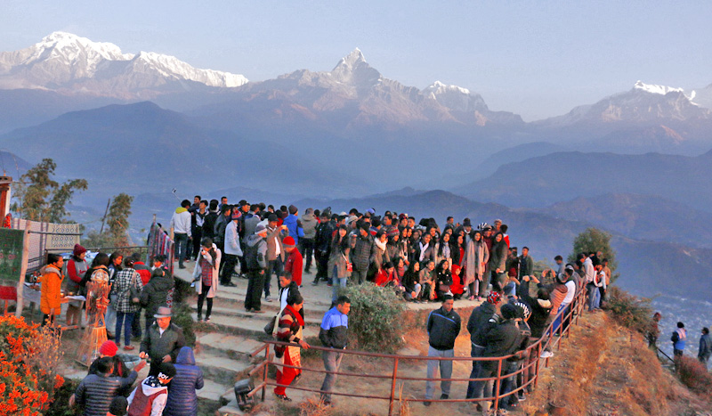 Pokhara abuzz with thousands of tourists