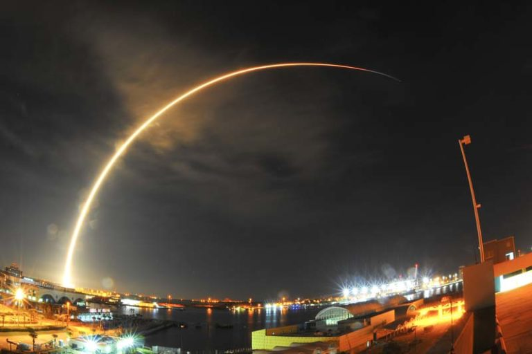 """China launches """"hack-proof"""" communications satellite"""